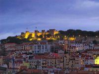10_IMG_0010_-_Blick_vom__Igreja_do_Carmo__auf_das__Castelo_de_Sao_Jorge_